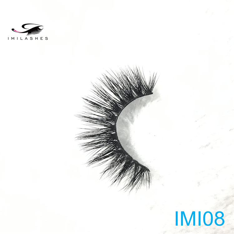 Cheap 3D mink lashes .