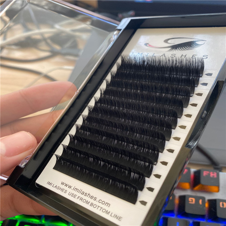 wholesale easy fanning lashes.jpg