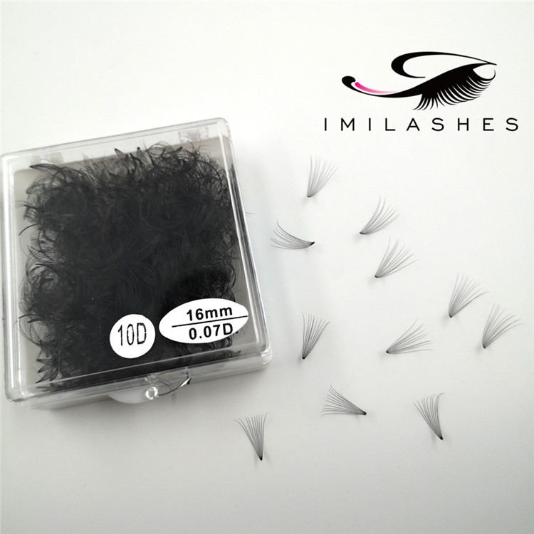 Loose volume fans heat bonded premade lashes - A